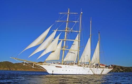 starflyer-undersail