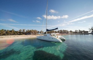 catamaran_anchored_off_beach