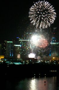 fireworks_over_biscayne-bay
