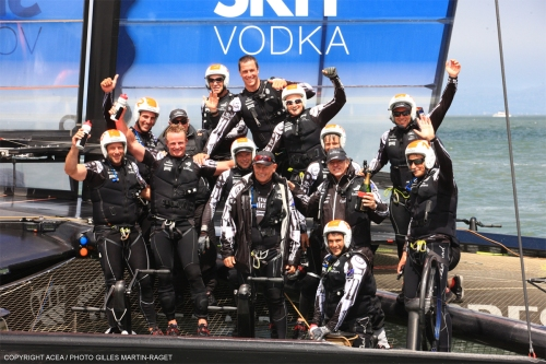 emirates-NZ-wins-louis-vuitton-cup-gilles-martin-raget